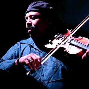 Carlos Reyes image