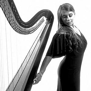 Chiara Turner - Harpist image