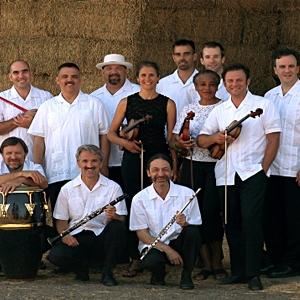 Orquesta La Moderna Tradicion image